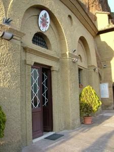 Castel_Sant_Elia_-_Santuario_di_Maria_Santissima_ad_rupes_2[1]
